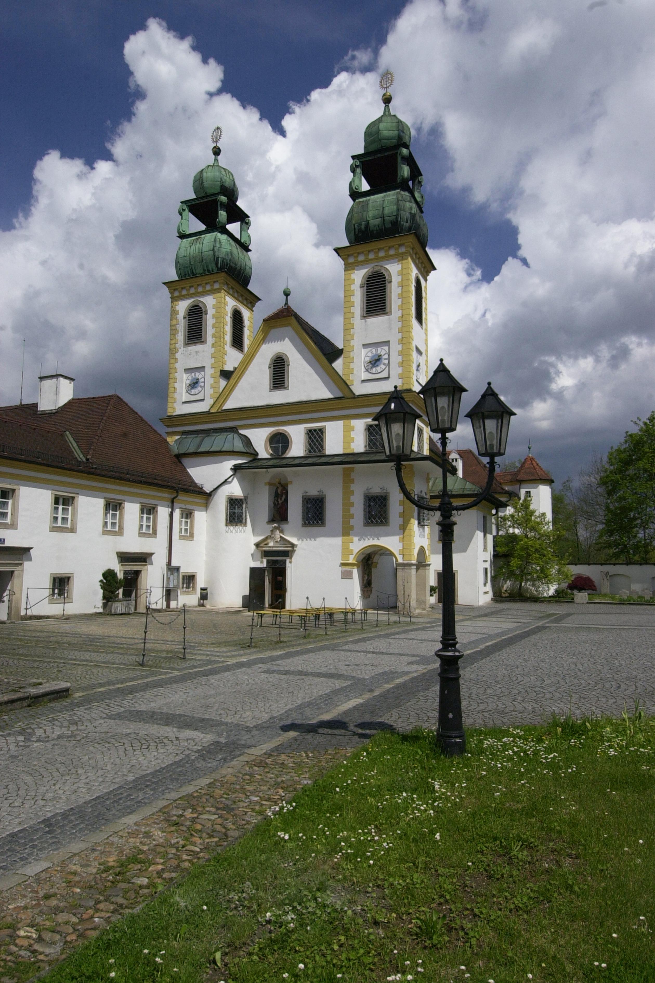 92_Kirche_Maria_Hilf